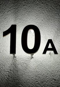 Schild - Hausnummer